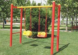 تاب دو نفره با اسکلت فلزی و کفی پلی اتیلنی،با ایمنی لازم برای کودکان،امکان بازی شادی را در فضاهای باز برای کودکان فراهم می کند.