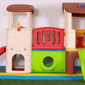 مجموعه زیبای کلبه سرسره دو برج با پله صخره نوردی مناسب بازی کودکان 3 تا 6 ساله شما در تمامی مکان ها