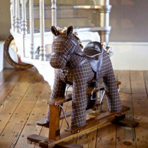 راکر اسب قهوه ای با عروسک