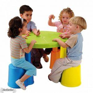 ست ميز و نيمكت چهار نفره کودک feber پلی اتیلنی دارای صندلی مناسب استفاده چهار کودک بالای 2 سال در منزل،مهد کودک،خانه بازی،پیش دبستانی و...